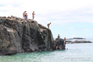Waimea Bay Rock Jumping