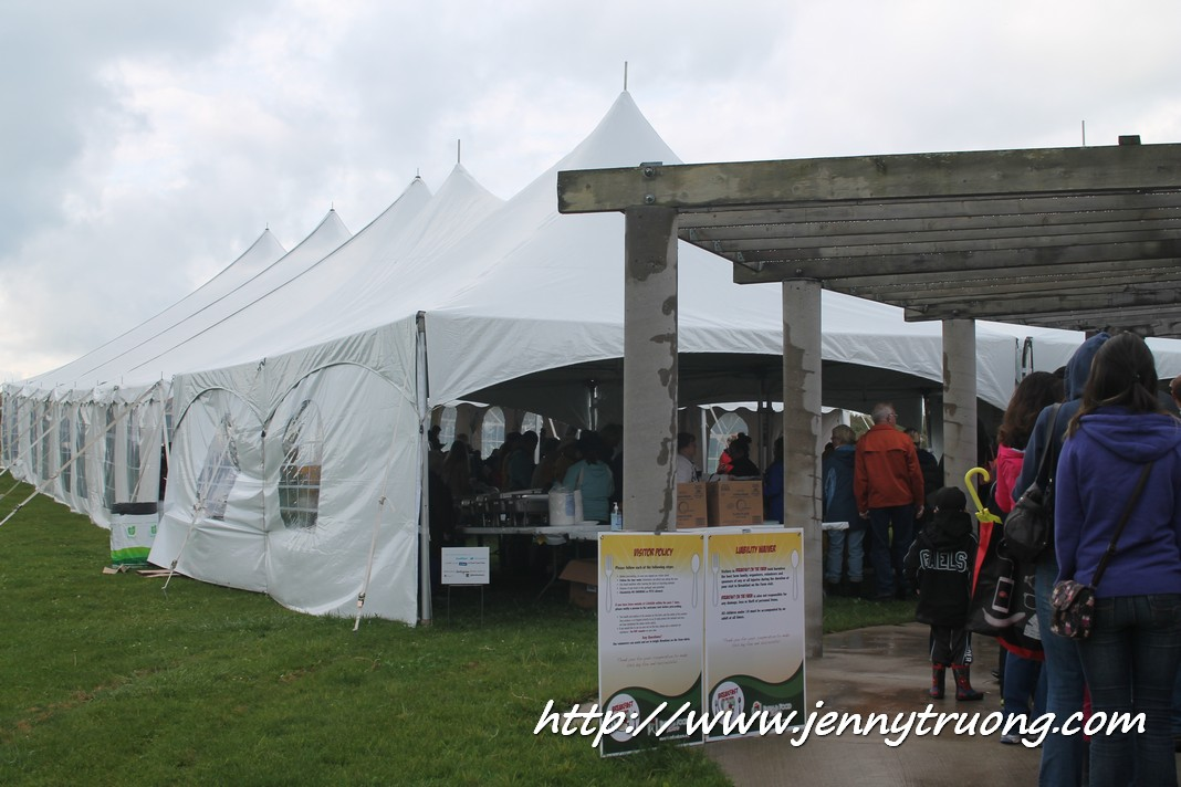 2014 Wilmot Orchard Breakfast on The Farm Food Tent